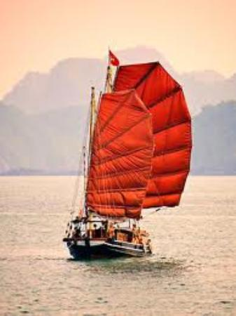 Cruise off beaten tracks aboard traditional sailing junk INDOCHINE in Lan Ha bay