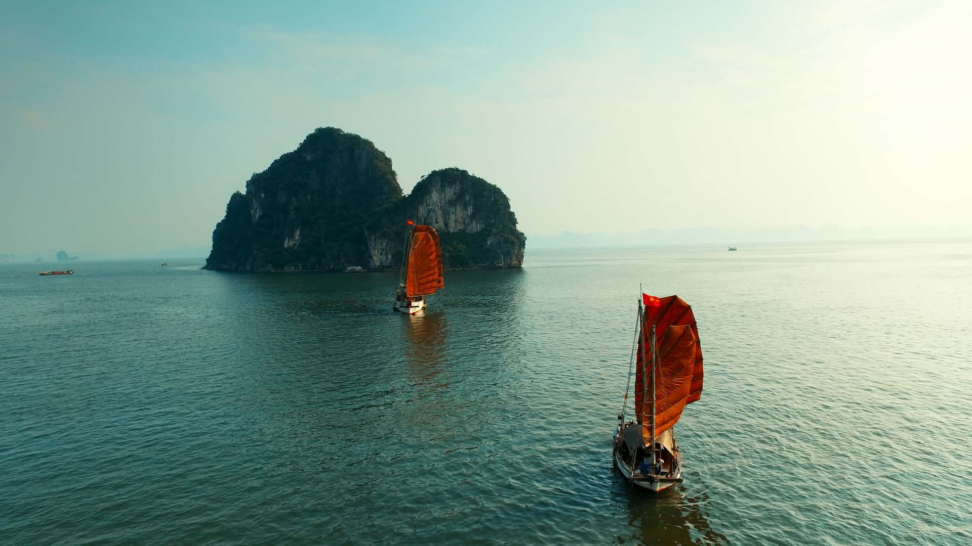Indochina Vintage Junk, the new perfect choice for day cruise on Lan Ha Bay and Halong Bay