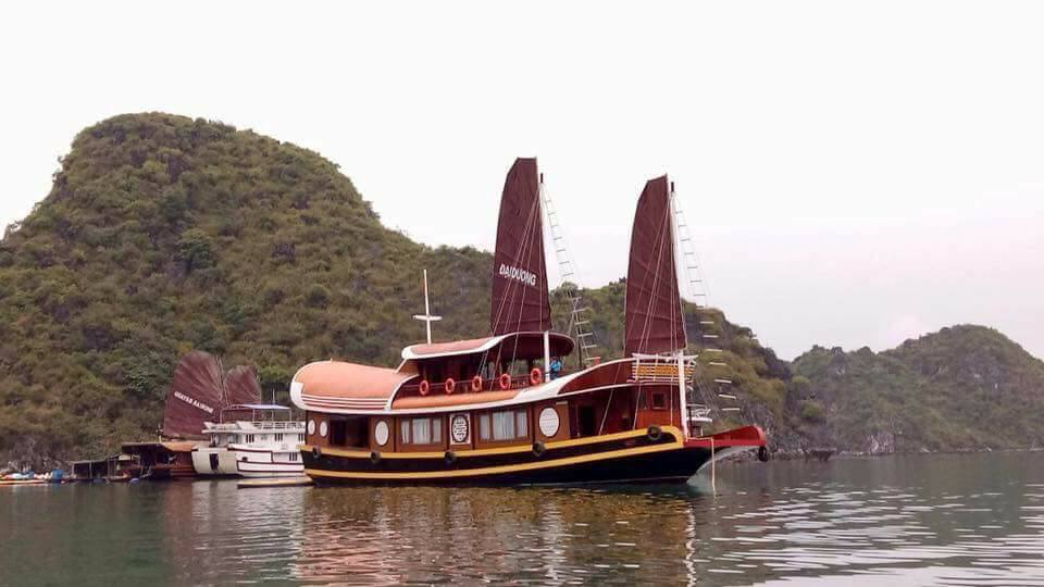 Explore uniquely Ha Long Bay and Lan Ha Bay on Lagoon Explorer Junk