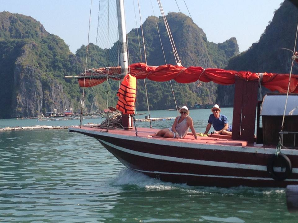 Cruise off beaten tracks on a day trip aboard Indochine sailing Junk in Lan Ha & Halong Bay 4